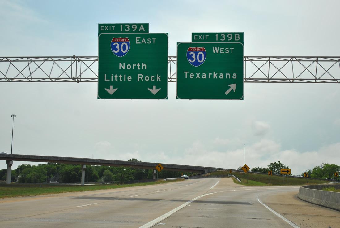 Direzione est: verso Little Rock, a 1660 miglia da Los Angeles