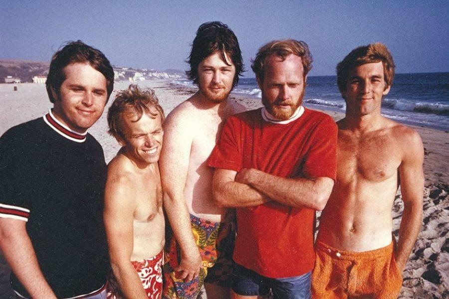 I Beach Boys, Dennis Wilson è l'ultimo sulla destra