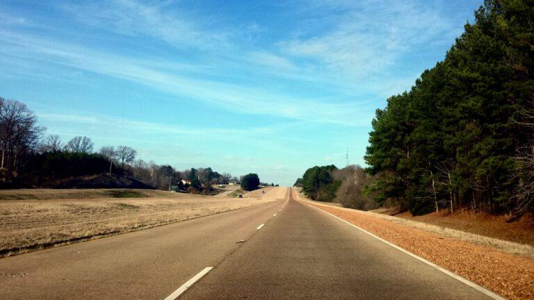 La Highway 49 a Nord di Bentonia